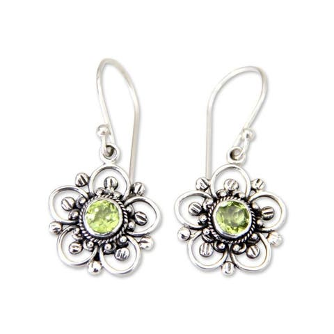 Nature's Gift Artisan Handmade Women's Clothing Accessory Sterling Silver Green Peridot Flower Dangle Drop Earrings (Indonesia)