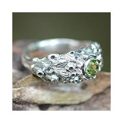 Sterling Silver 'Coral Treasure' Peridot Ring (Indonesia)