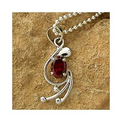 Handmade Sterling Silver 'Jaipur Passion' Garnet Necklace (India)