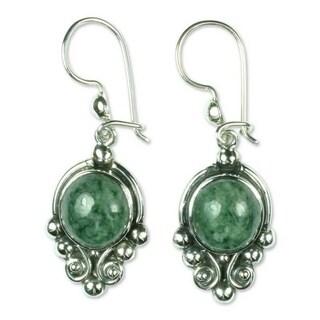 Handmade Sterling Silver 'Praise Love' Jade Earrings (Guatemala)