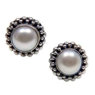 Handmade Sterling Silver 'Discretion' Pearl Stud Earrings (6 mm) (Indonesia)