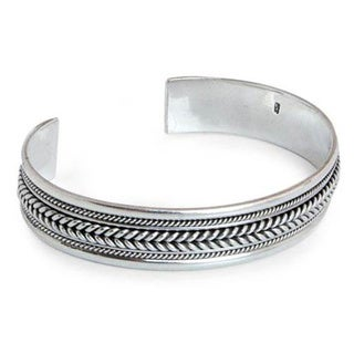Handmade Lanna Illusions Braid Patterns Coil Around the Wrist in this 925 Sterling Silver Contemporary Cuff Bracelet (Thailand)
