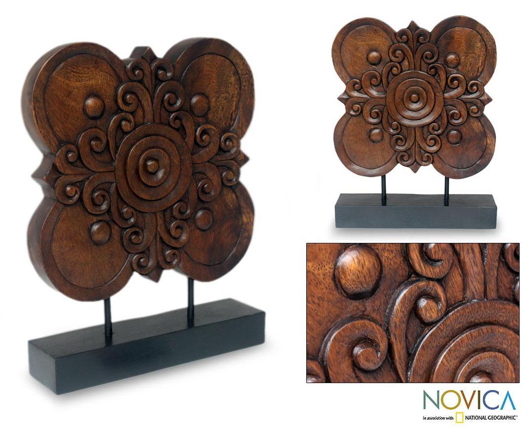 Handmade Rain Tree Wood 'Blossoming Shield' Sculpture (Thailand)