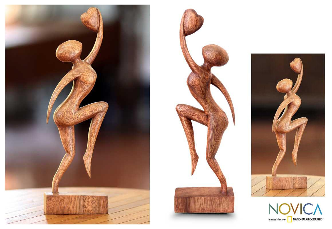 Handmade Suar Wood 'Reaching for Love' Sculpture (Indonesia)