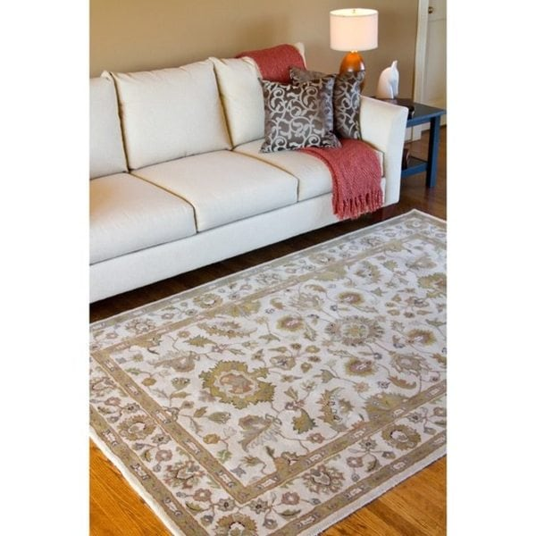 Hand-tufted Pennine Ivory Floral Border Wool Rug (6' x 9')