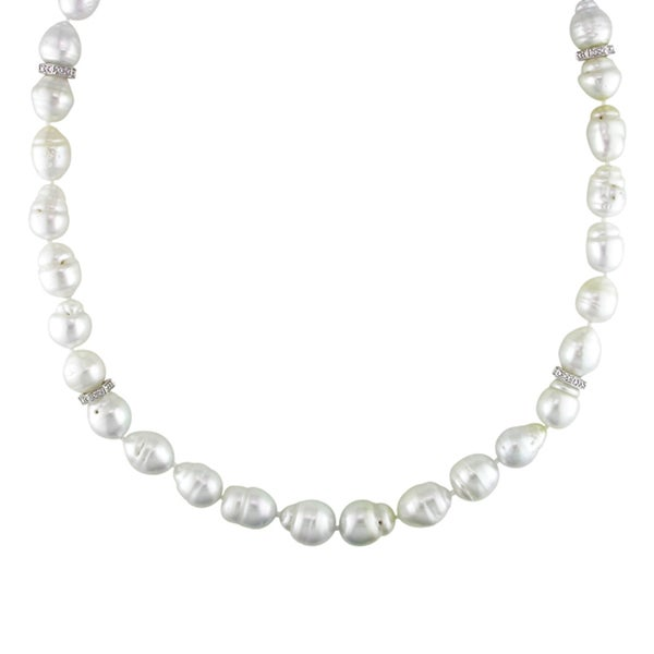 Miadora Signature Collection 14K Gold South Sea Pearl/ 1/5ct TDW Diamond Necklace (H-I, I1-I2) (9-12 mm)