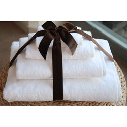 Authentic Hotel and Spa Plush Soft Twist Turkish Cotton White 4-pieceTowel Set with Bath Sheet