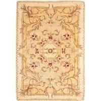 Safavieh Handmade Aubusson Creteil Beige/ Light Gold Wool Rug (2' x 3')