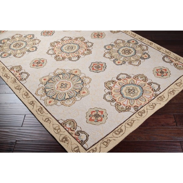 Hand-hooked Heathfield Beige Indoor/Outdoor Medallion Area Rug (8' x 10')