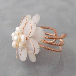 Copper Milky Quartz and Pearl Flower Ring (3-5 mm)(Thailand)