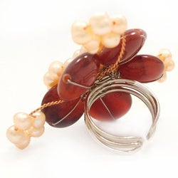 Goldtone Carnelian and Pink Pearl Flower Ring (4-6 mm)(Thailand)