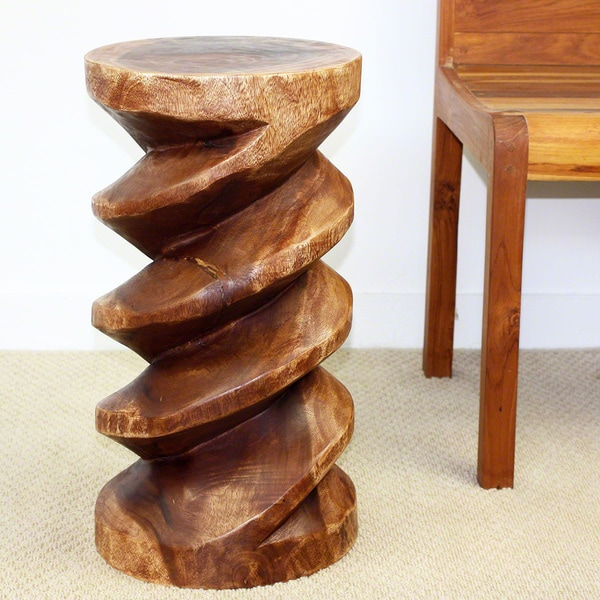 Hand-carved Light Teak Oiled Spiral Zig Zag End Table (Thailand)