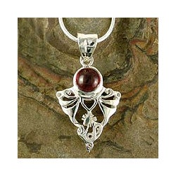 Sterling Silver 'Crimson Fern' Garnet Pendant Necklace (India)