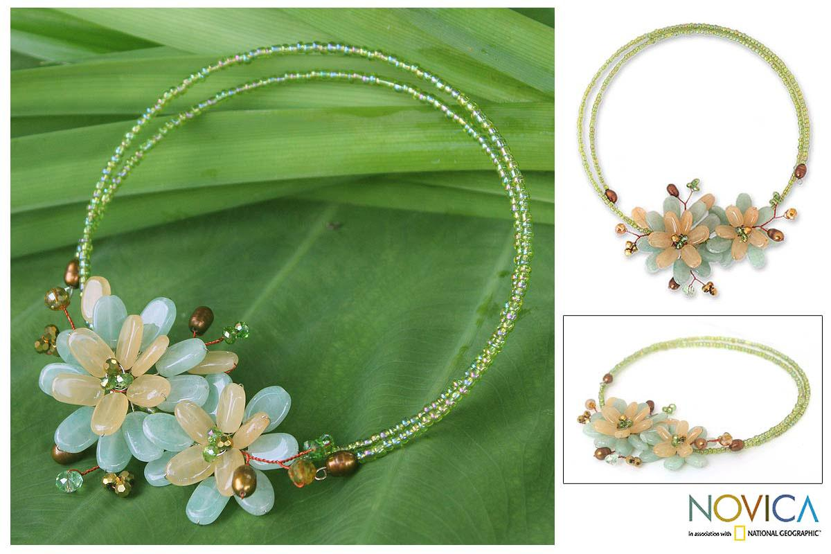 Quartz and Pearl 'Ban Chiang Bouquet' Necklace (6 mm) (Thailand)