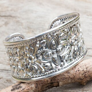 Handmade Sterling Silver Princess Garden Flower Cuff Bracelet (Thailand)
