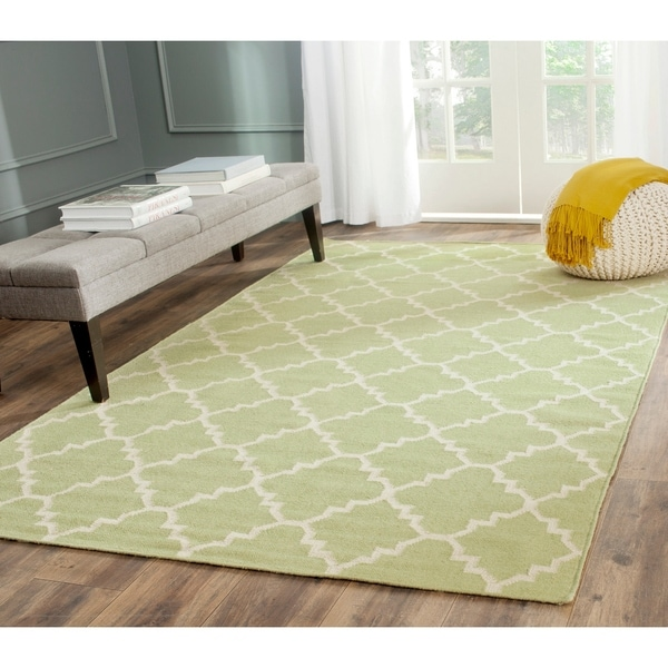 Safavieh Light Green/Ivory Reversible Dhurrie Wool Rug - 5' x 8'