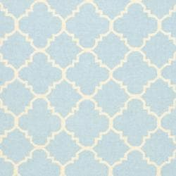 Safavieh Hand-woven Moroccan Reversible Dhurrie Light Blue/ Ivory Wool Rug (5' x 8') - Thumbnail 2