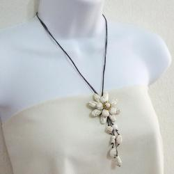 White Turquoise Floral Necklace (Thailand) - Thumbnail 2