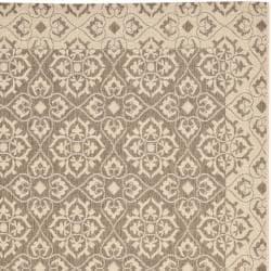 Safavieh Brown/ Cream Indoor Outdoor Rug (6'7 x 9'6)