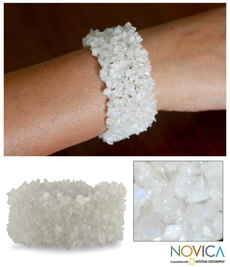 Handmade Moonstone 'Morning Magic' Stretch Bracelet (India)