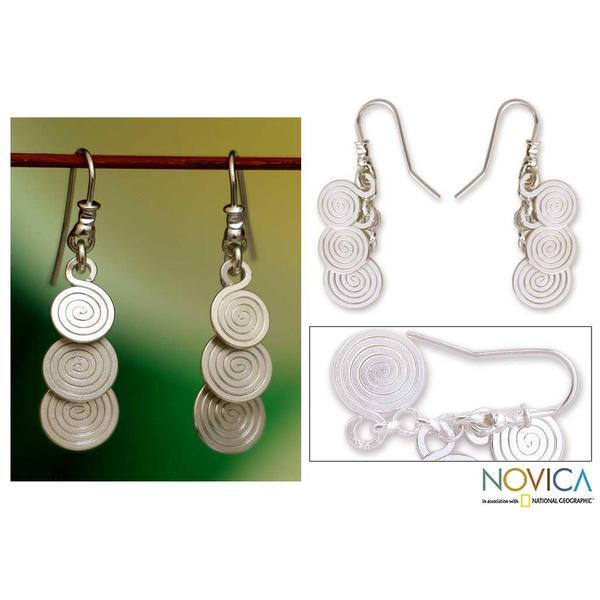Handmade Silver 'Flowing' Dangle Earrings (Mexico)