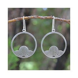 Sterling Silver 'Shy Plum Blossoms' Flower Earrings (Thailand)