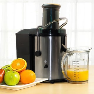 SVP Fruit and Vegetable Juice Extractor with Custom Juice Cup