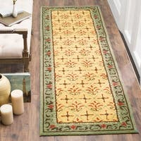 """Safavieh Hand-hooked Easy Care Morocco Beige/ Red Rug - 2'6"""" x 10'"""