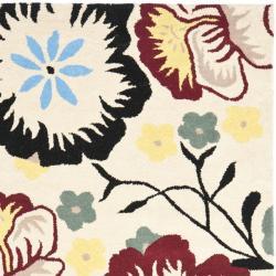 Safavieh Handmade Garden Ivory New Zealand Wool Rug (5'x 8') - Thumbnail 1