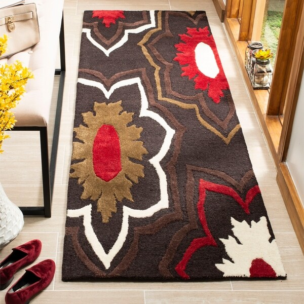 "Safavieh Handmade Memories Brown New Zealand Wool Rug - 2'6"" x 8'"