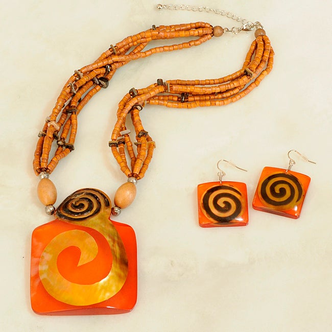 Handmade Carved Brown Lip Shell and Amber Resin Necklace and Earring Set (Philippines)
