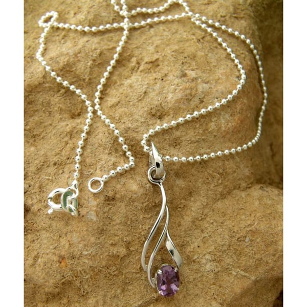Handmade Sterling Silver 'Mystical Flame' Amethyst Necklace (India)