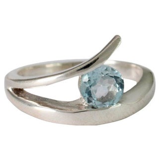 Handmade Sterling Silver 'Dazzling Love' Blue Topaz Solitaire Ring (India)