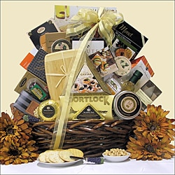 Great Arrivals The Connoisseur Gourmet Cheese Gift Basket - Thumbnail 0
