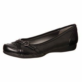 CL by Laundry Women's 'Tactful' Black Buckle Flats