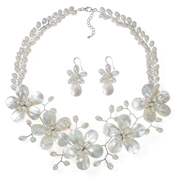 Handmade White Floral Pearl Necklace Fancy Jewelry Set (Thailand) 2901f4a8c81f