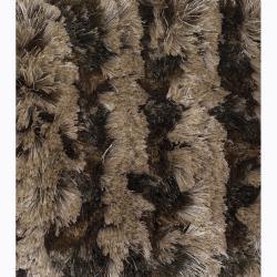 Hand-woven Mandara Shag Rug (5' x 7'6) - Thumbnail 2