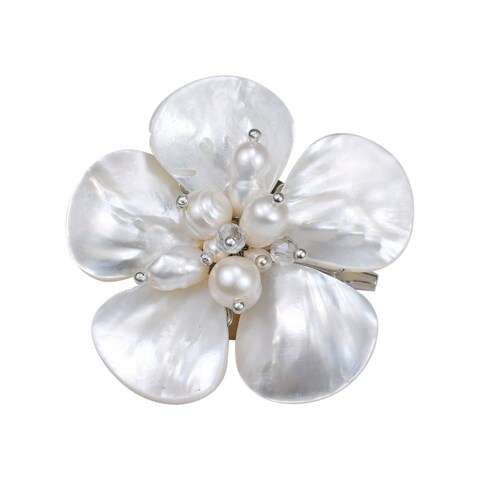 Handmade White Mother of Pearl Floral Purity Pearl Pin/ Brooch (Thailand)