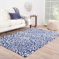 "Jayda Indoor/ Outdoor Floral Blue/ White Area Rug - 5' x 7'6"""