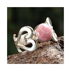 Sterling Silver 'Pink Love' Rhodonite Ring (Peru)