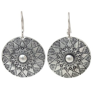 Handmade Sterling Silver Lampang Moon White Antique Danling Style Earrings (Thailand)