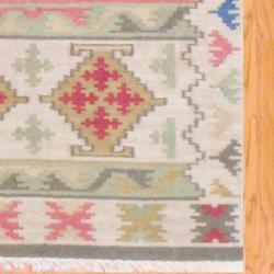 Indo Hand-knotted Kilim Wool Rug (4' x 6') - Thumbnail 2
