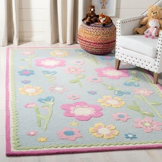 Safavieh Handmade Spring Flowers Light Blue N. Z. Wool Rug - 5' x 8'