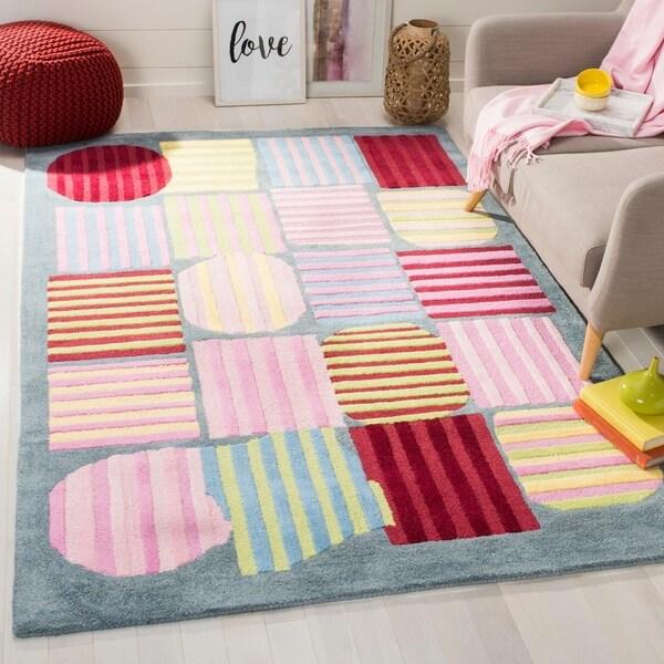 Safavieh Handmade Children's Stripes Light Blue N.Z. Wool Rug - 4' x 6'