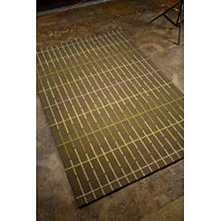 Hand-hooked Brown Geometric Outdoor Rug (7'6 x 9'6) - Thumbnail 1