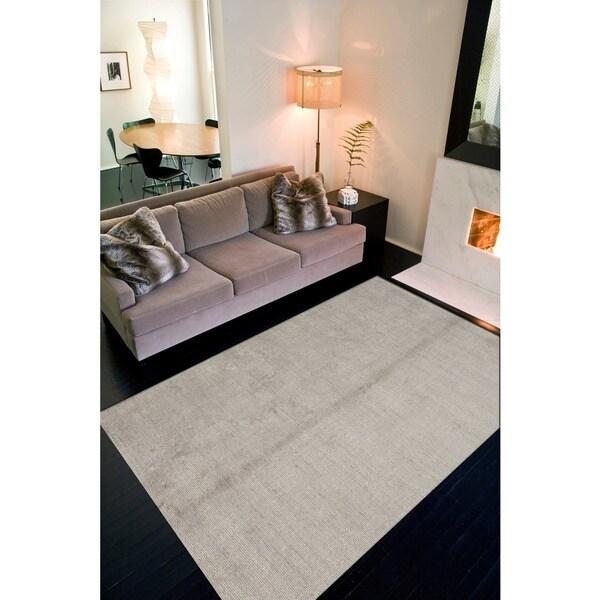 Hand-woven Gray Wool Area Rug (2' x 3')