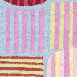 Safavieh Handmade Children's Stripes Light Blue N.Z. Wool Rug (3' x 5')