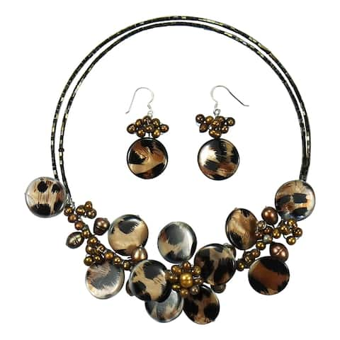 Handmade Brown Leopard Theme Mother of Pearl Floral Style Jewelry Set (Thailand)