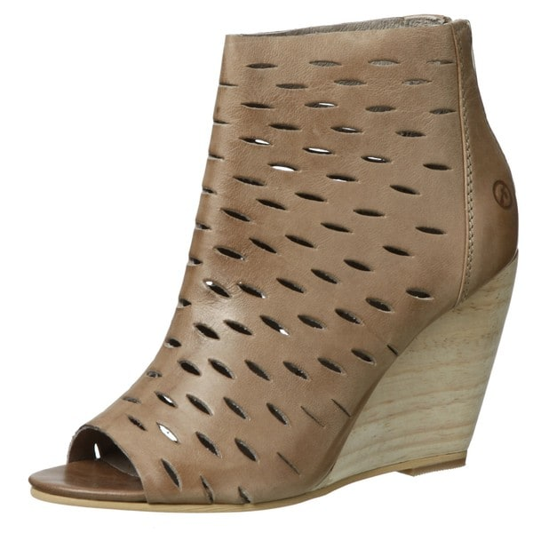 Bronx Women's 'Last Lee' Tortora Leather Peep-toe Wedges