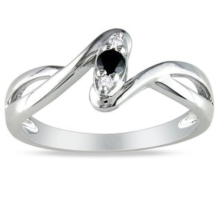 Miadora Sterling Silver 1/10ct TDW Black and White Diamond Promise Ring